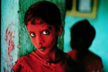INDIA-giovane rosso