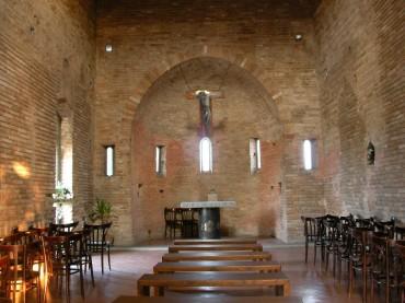 Interno_chiesa_San_Lazzaro_Faenza